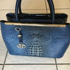 Handbags - NWOT❤️Host Pick❤️ La Terre Fashion Handbag